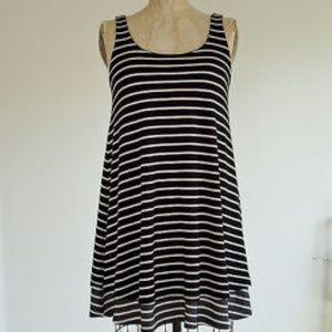 1/5  Anthropologie Puella Black & White Striped St